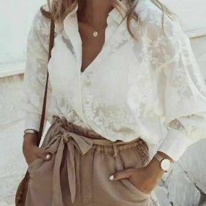 NWOT Zara Size M Floral Jacquard Button Down